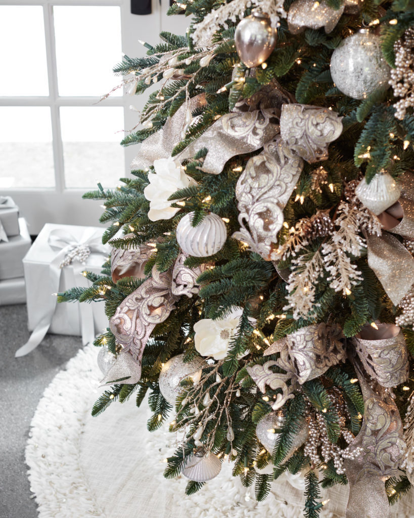 christmas tree decorated with french country theme