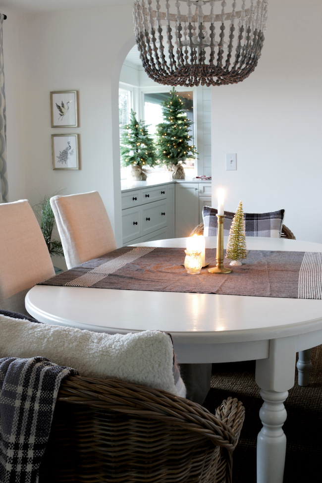 Dining room with simple decor