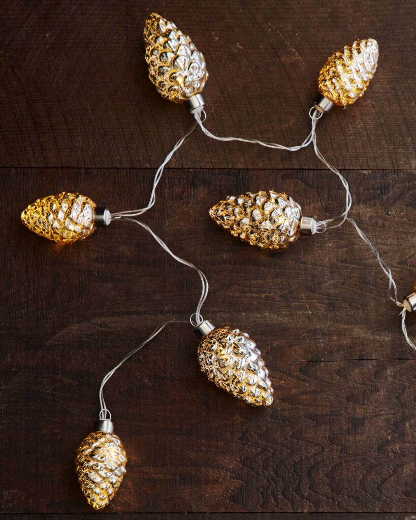 Glowing Pine Cone Garland