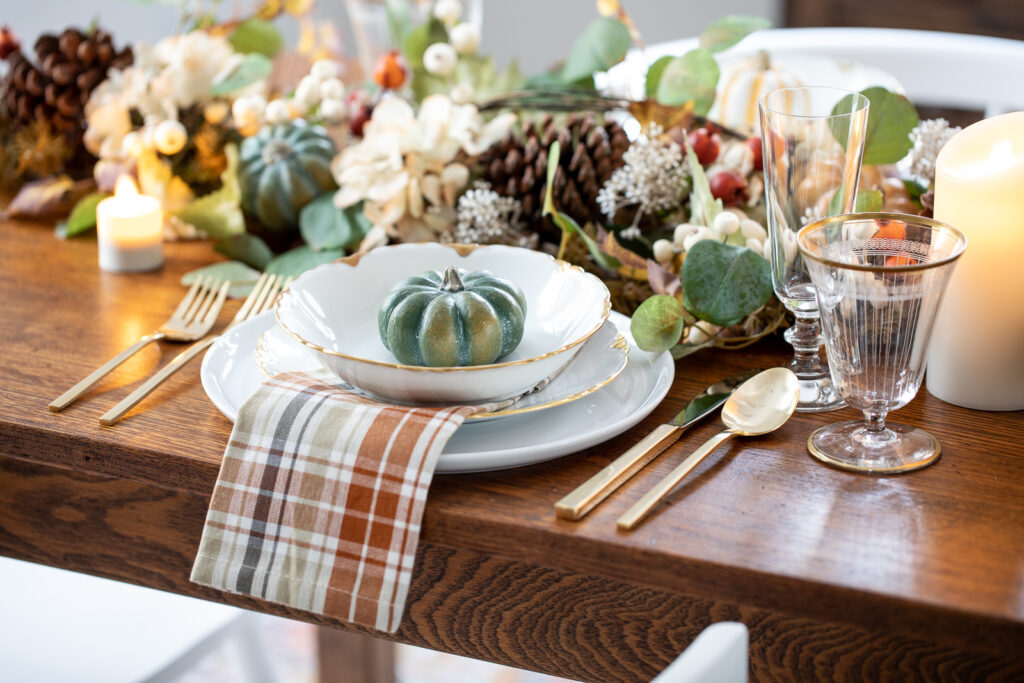 thanksgiving decor with table-setting