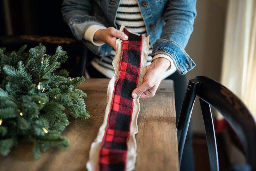 layered brown ribbon and checkered ribbon