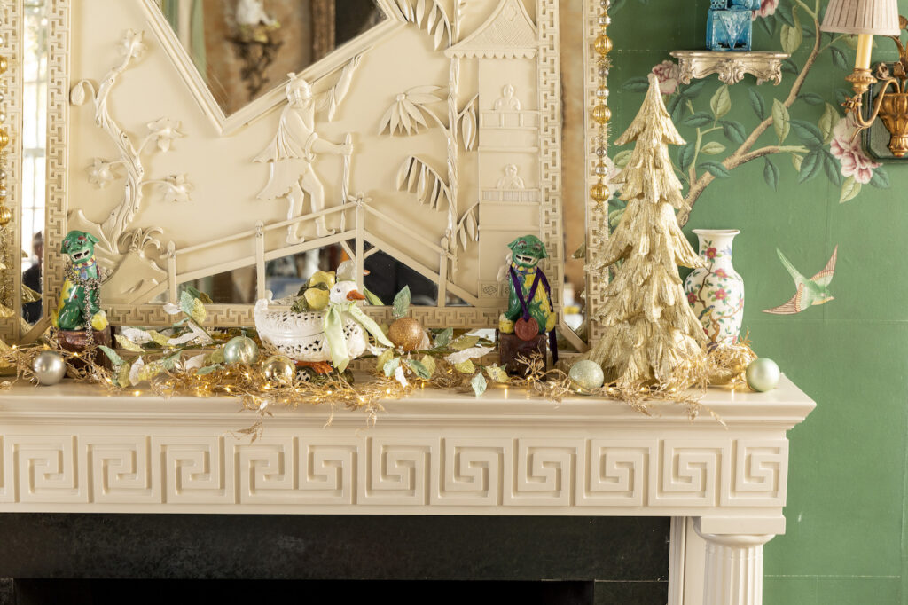 christmas decorating ideas for mantel