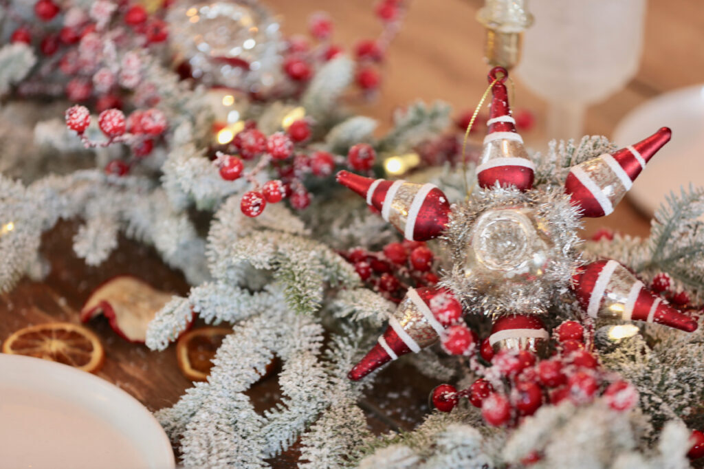 traditional vintage christmas theme