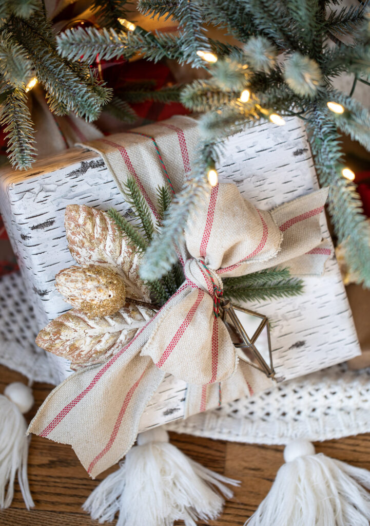 Christmas gift-wrapping ideas with ribbon and ornaments