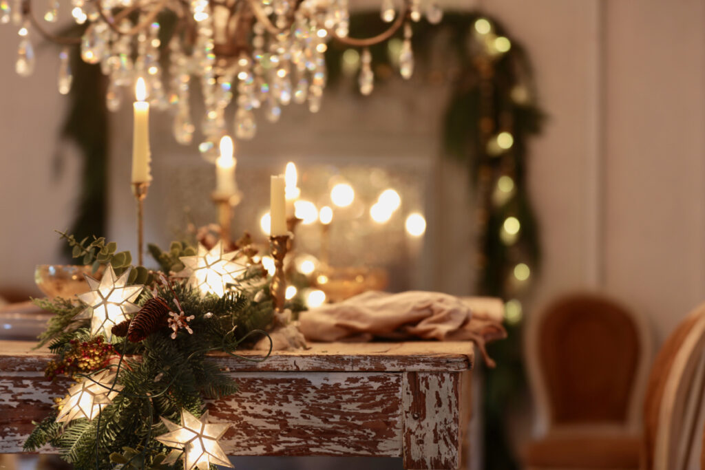 3 Christmas Table Centerpiece Ideas With Staple Decorations